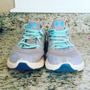 Under Armor Girls Play Shoes!